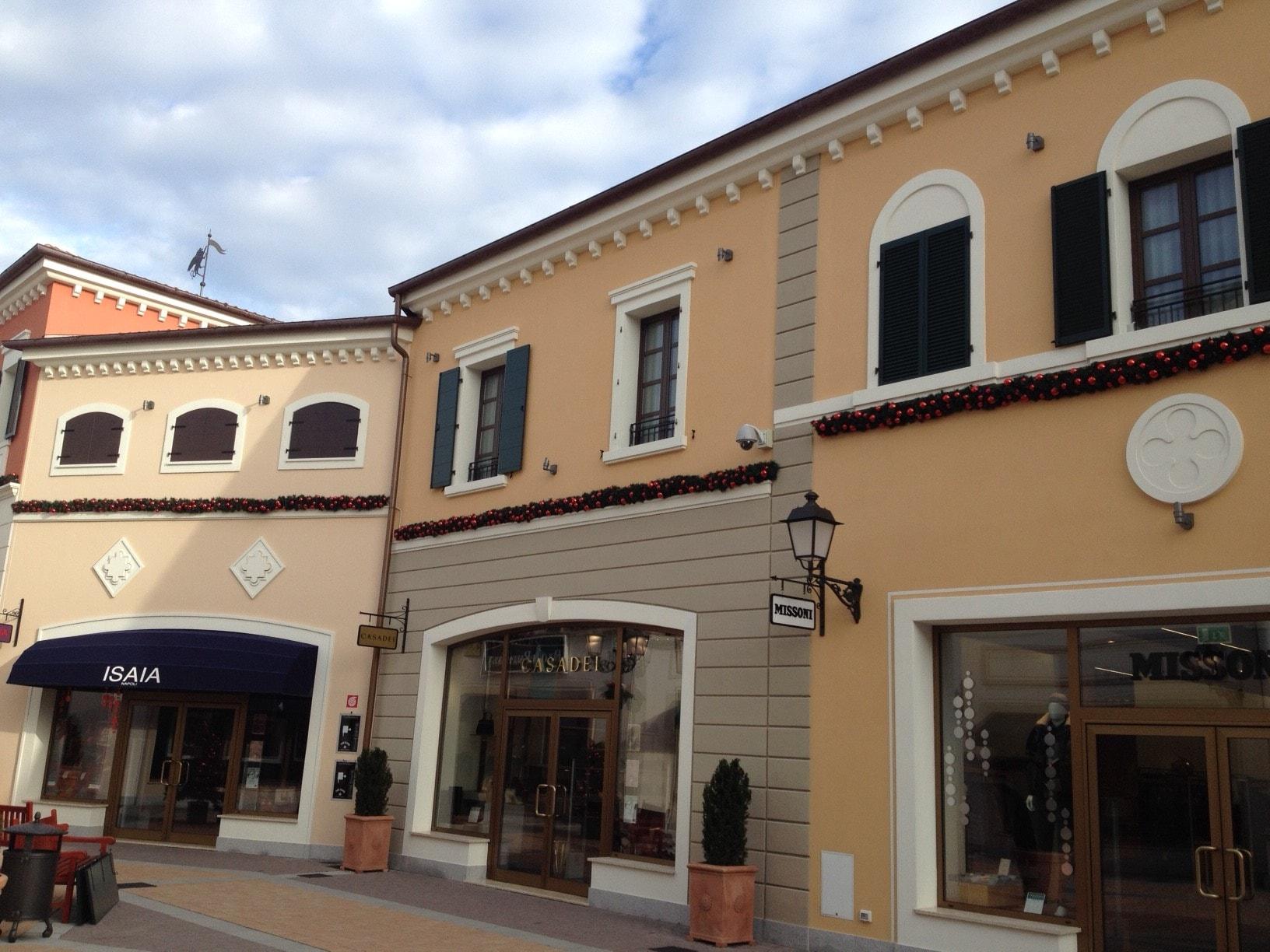 sale retailer 20f5b 23cbd Fashion Outlet Noventa di Piave, Venezia - BASE SPA